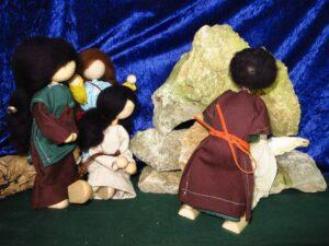 Die Frauen sehen, wo Jesus beerdigt wird