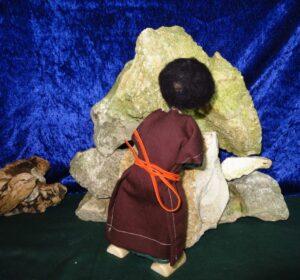 Josef schließt das Grab